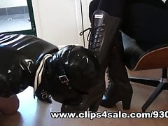 Milking Slave Cum Onto My Hunter Rubber Boots & Eating It